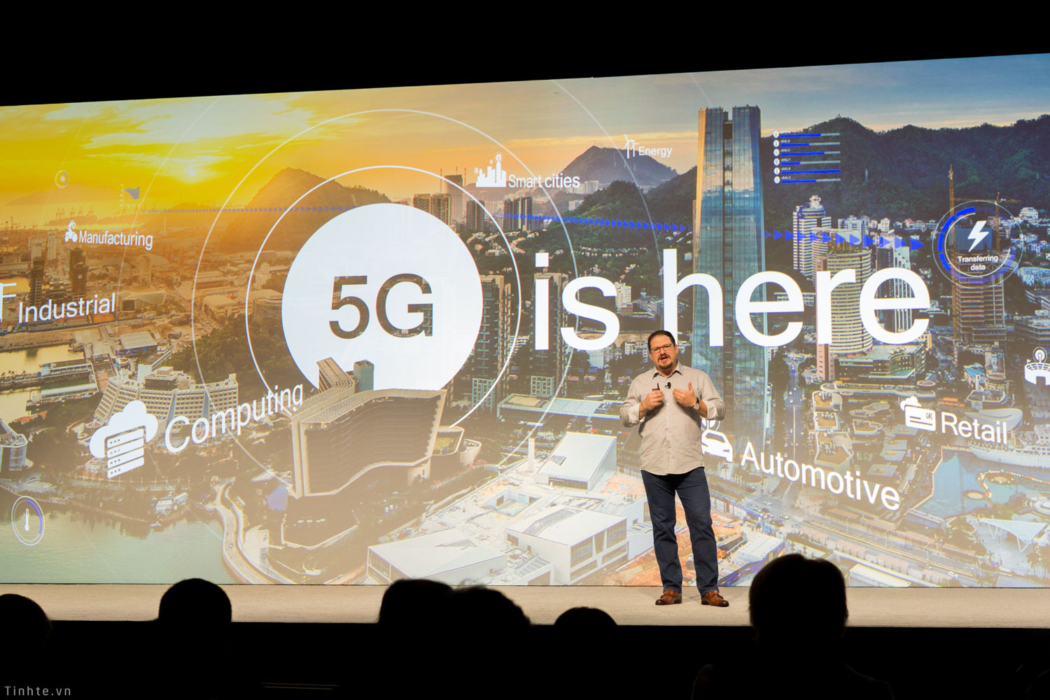 Đang tải Qualcomm_5G_is_here.jpg…